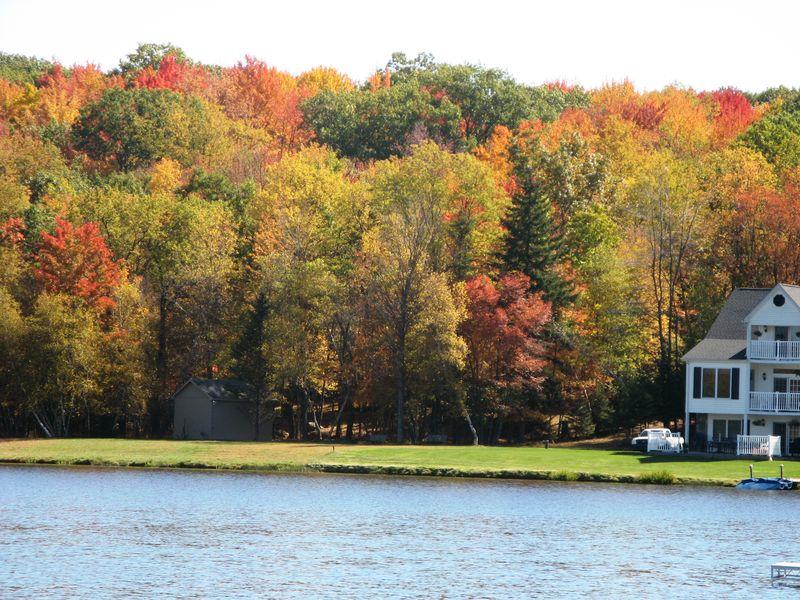 Arrowhead best pocono lake community