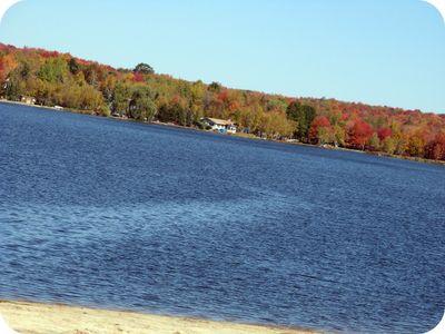 Arrowhead_main_lake_fall_2
